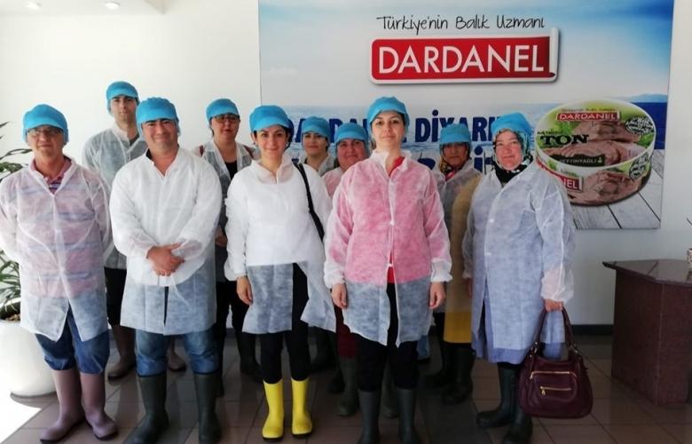 İŞKUR kursiyerlerinden balık işleme fabrikası Dardanel'e ziyaret
